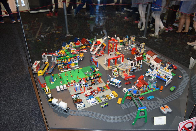 Viaţa Lego sau planuri de vacanţă
