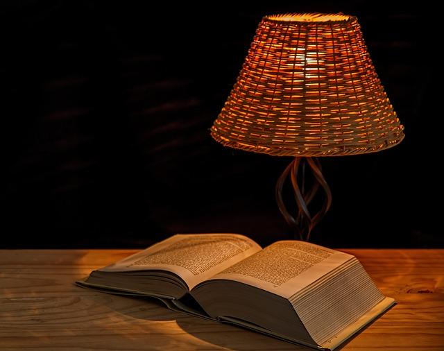 Iulie şi august în cărţile de pe noptieră